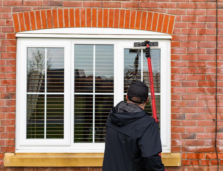 Hobbos_clear_window_cleaner_rhyl_0000_IMG_1794